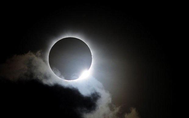 solar-eclipse-90c6f8d61484af0e
